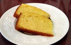 Homemade lemon pound cake using the innkeeper's mother's recipe is served to guests at breakfast each morning at the Middleburg Country Inn (from Bitches Who Brunch) #Virginia #Loudoun