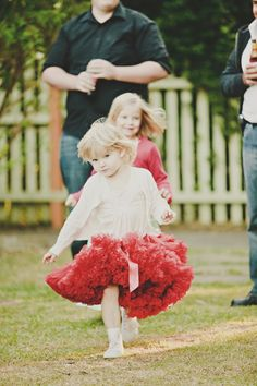 Flower girls <3 Would love to do this with a blue or grey skirt // #adornments