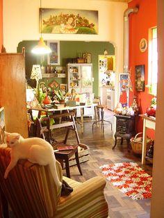 Tarde de trabalho no atelier, na companhia de Morgana, a fada. by Madu Lopes, via Flickr