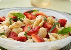 strawberry balsamic pasta salad (Vegan)