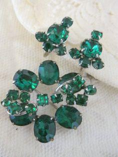 Vintage Emerald Green Brooch & Earrings Estate Find