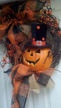 fall and halloween wreaths, halloween pumpkins, wreath featur, wreath inspir, hat