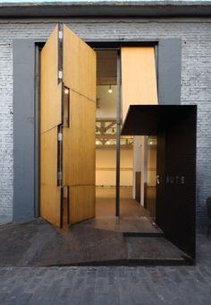 .#detail #design #interiors #decor #surfaces #walls #door