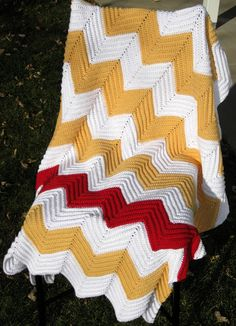 Chevron Blanket Pattern - I need to learn how to make one of these!!