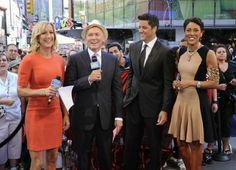 GMA team with Anchor Robin Roberts. Shown wearing 'Cheetah' PICC Cover Fashions TM arm band sleeve by CastCoverFashions. NYC July 25, 2012