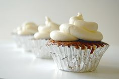 Cupcake frosting made with marshmallow fluff. Easy and delightful--fluffy, light (tasting) and not too sweet!
