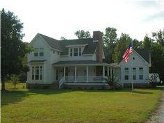 white farmhouse, corner wing