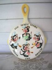 "Sweet Vtg Lefton Mouse Mice Frying Pan Wall Pocket ""Too Many Cooks"""