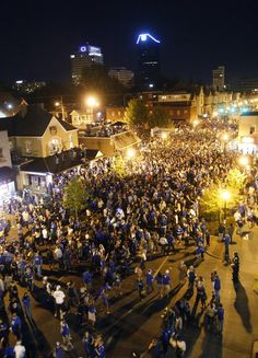 Photo Gallery: Fans celebrate in Lexington after Kentucky wins the national championship