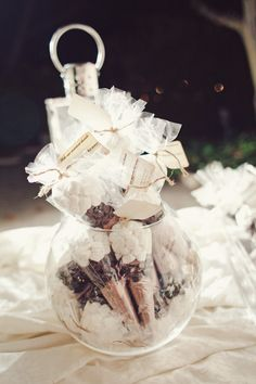 Favors (s'mores?) made by the bride! Photography by jnicholsphoto.com