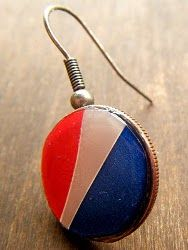 Go retro with a pair of Pepsi Can Earrings. Upcycling never looked so trendy.