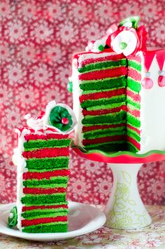 Really, seriously too awesome for words!!!! (Stripped Eggnog Cake.) #cake #Christmas #food #baking #layered #stripped #red #green #food #creative #eggnog #party #wedding #birthday