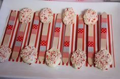 Peppermint White Chocolate spoons #peppermint #spoons