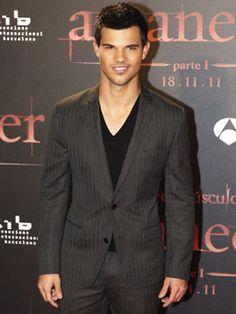 Forget Team Edward or Team Jacob...we're team Taylor Lautner!