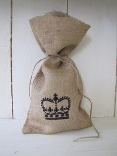 Set of 4 Burlap Gift Bags QUEEN CROWN by funkyshique on Etsy