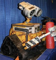 Wall-E Cake. Can you believe this really is a cake?!