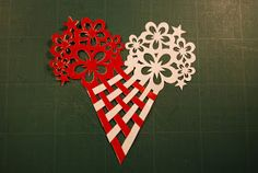 Lovely woven Heart with flowers. You Can print it out from the webside