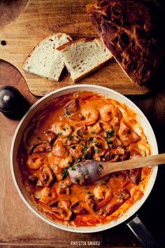 Pan-fried Mushroom and Shrimp in Creamy Tomato Sauce