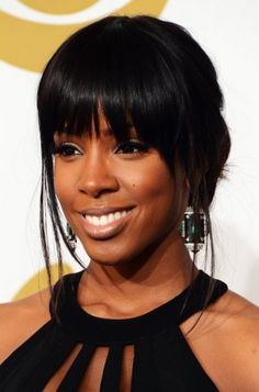 Kelly Rowland rocks her bangs at the 2013 Grammy Awards