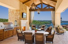 I'm obsessed with outdoor kitchens!!!!