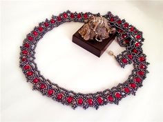 Necklace Patterns - Netting Stitch  #heartbeadwork
