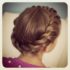 Crown Twist...so cute! #CGHCrownTwist #CuteGirlsHairstyles