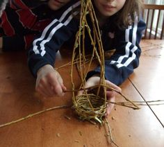 how to weave a little willow basket