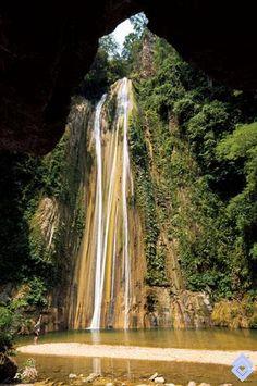 Cascada La Lucha en el municipio de Coello, departamento del Tolima, Colombia