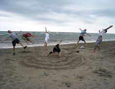 HAHAHAHA! Things to do at the beach....- Hulk smash!