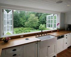 Would LOVE to have these windows in my kitchen!