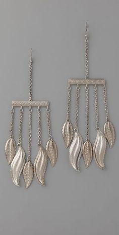 Litter leaf earrings