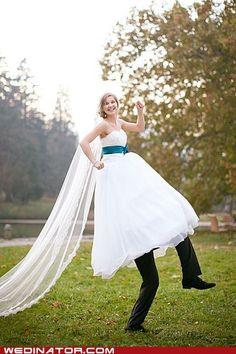 Lol funny wedding photo!