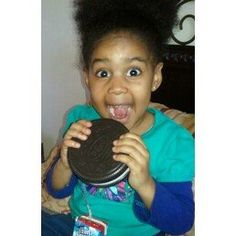 Would you smile like Fan Kadi if you saw an Oreo cookie this big?