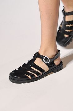 Tendencias primavera verano 2013 sandalias de piso accesorios zapatos - Clements Ribeiro