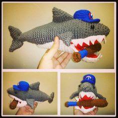 Tiburón de la Guaira #baseball #venezuela #team #amigurumi #crochet #shark #baseballbat #tiburones #laguaira