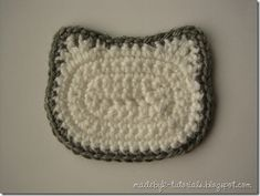 How-To crochet a Hello Kitty Face (for applique or granny square)--- omg i am so making this for doodle!!!