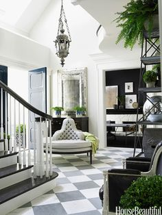 A traditionalist foyer. Design: Windsor Smith.