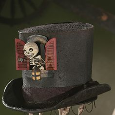 Top hat with skeleto