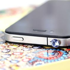 Cheapest Colorful Anti-dust Twinkling Earphone Plug for iPad 2, the New iPad, iPhone 4 (At Random) - Other Accessories