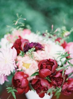 peony floral inspiration | flowers by Janie Medley Flora Design | photo by Laura Gordon | http://www.100layercake.com/blog/2013/08/08/peony-floral-inspiration-wedding/