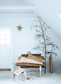 #industrial #urban #rustic #farmhouse #tree #christmas #star #burlap .. #simple... I love this.... superb assemblage!