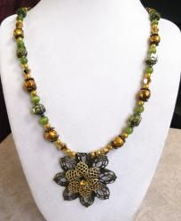 """Desert Flower"" necklace & earrings set"