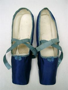 Woman's shoes, 1820