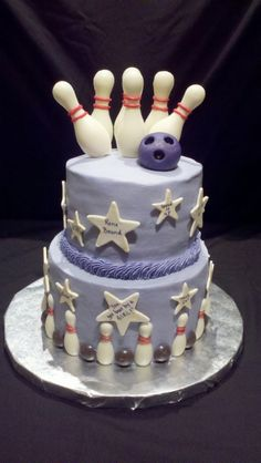 Bowling Party themed birthday cake.