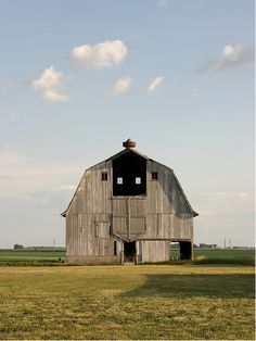 gorgeous barn.