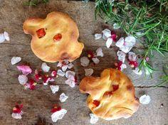 Panini soffici con acqua di mozzarella di Bufala e pomodorini marinati