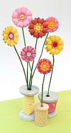 Crafting ideas from Sizzix UK: 3D flowers. Full tutorial