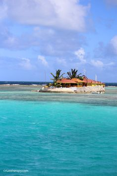 Happy Island by Union Island in the Grenadines - great rum punch!
