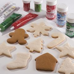 It's cookie season! Wilton's Holiday Cookie page is a handy resource for cookie baking, decorating and frequently asked questions. You'll want to Pin it and share with a friend.