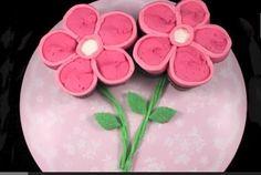 Spring Flower Pull Apart Cupcake Cake | Perfect for Mother's Day, this pull apart cupcake cake just screams Spring! - Foodista.com #holidayrecipe